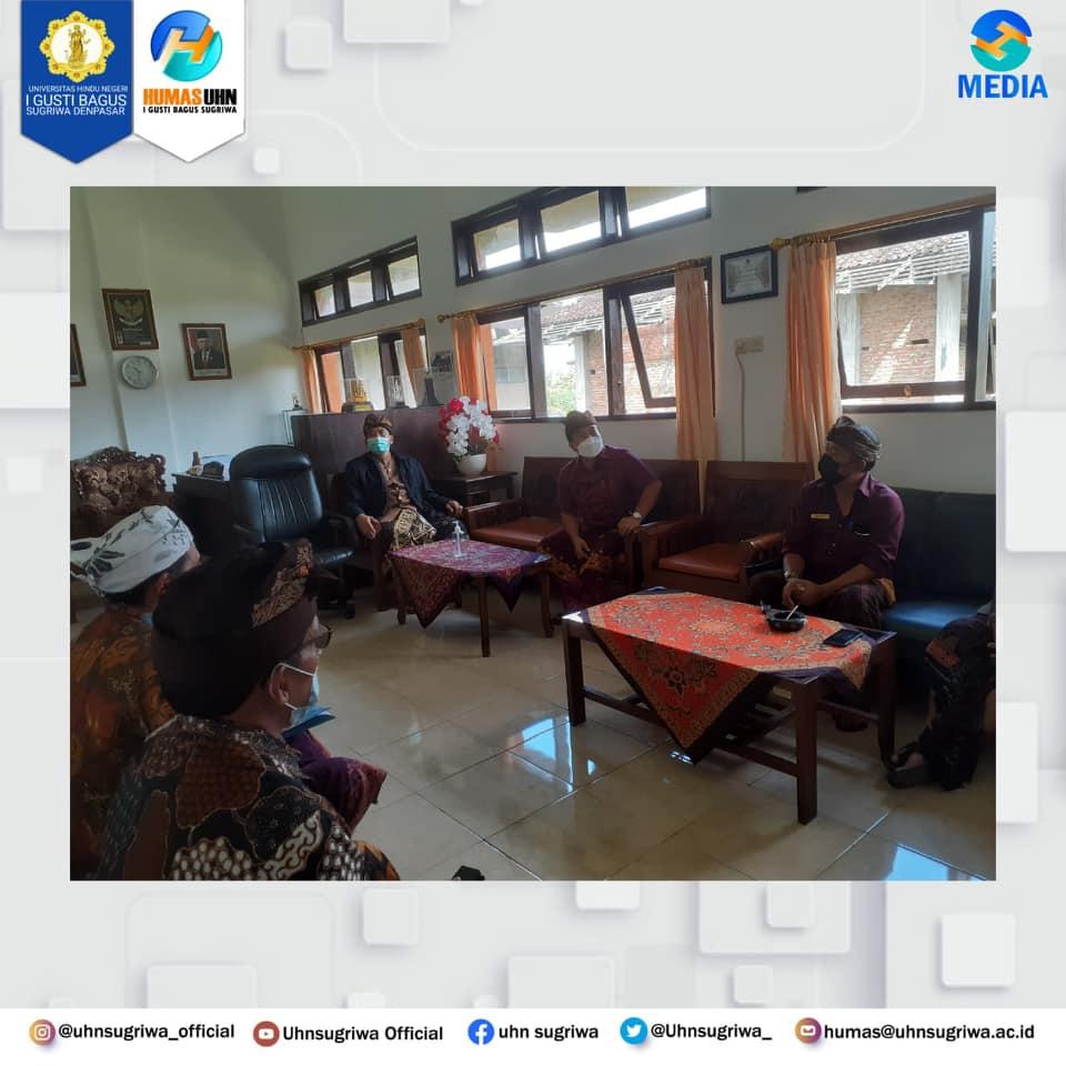 KUNJUNGAN REKTOR UHNSUGRIWA KE KANTOR DPRD KABUPATEN BANGLI