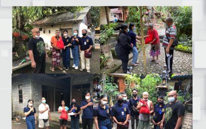 MEMPERINGATI HARI KEMERDEKAAN REPUBLIK INDONESIA KE-76 MAHASISWA KKN KELOMPOK 40 DESA DAWAN KLOD MELAKUKAN AKSI BAGI-BAGI SEMBAKO